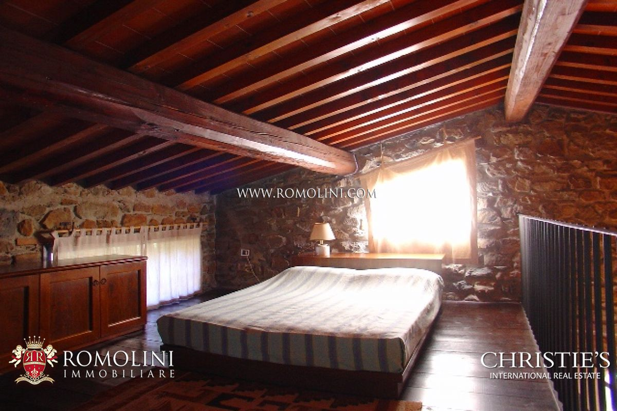 Additional photo for property listing at Tuscany - CHIANTI ARETINO: FARM ESTATE FOR SALE Arezzo, Италия