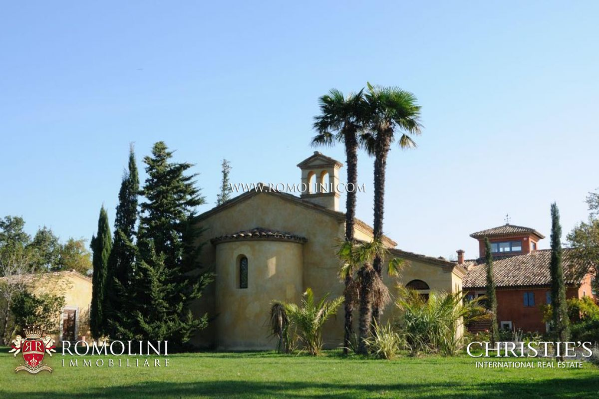 Additional photo for property listing at Marche - HISTORICAL VILLA WITH POOL FOR SALE MARCHE Fano, Italya