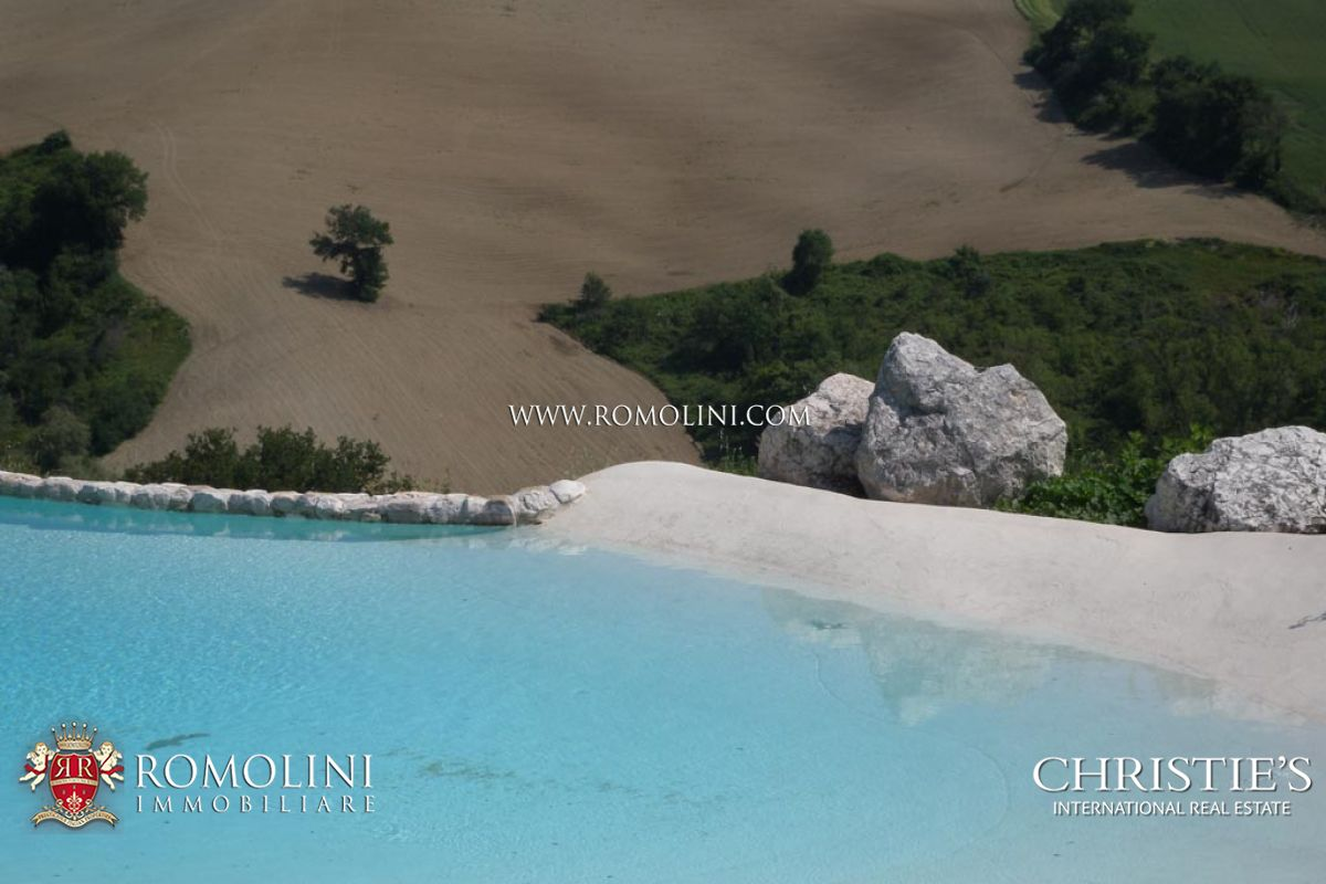 Additional photo for property listing at Marche - HISTORICAL VILLA WITH POOL FOR SALE MARCHE Fano, Ý