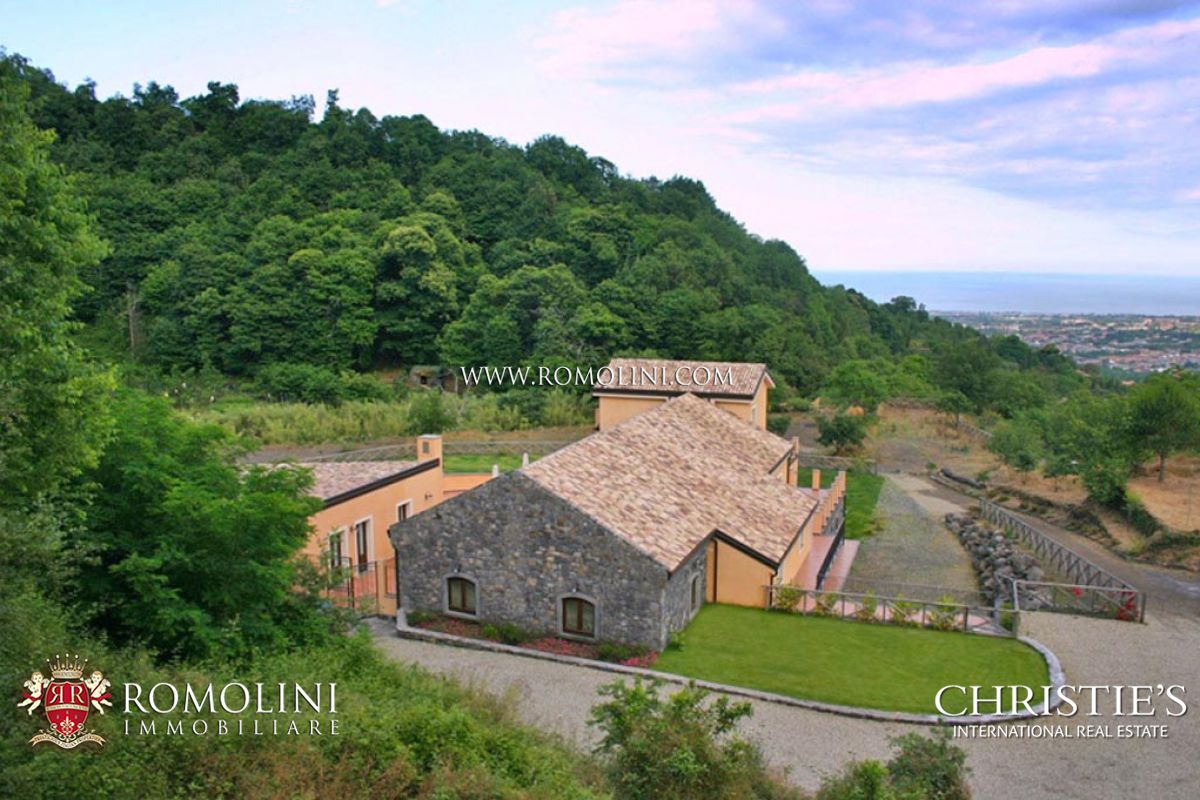 Additional photo for property listing at Sicily - VILLA FOR SALE IN CATANIA, SICILY Catania, Ιταλια