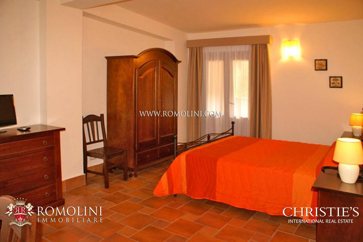 Additional photo for property listing at Sicily - VILLA FOR SALE IN CATANIA, SICILY Catania, Италия