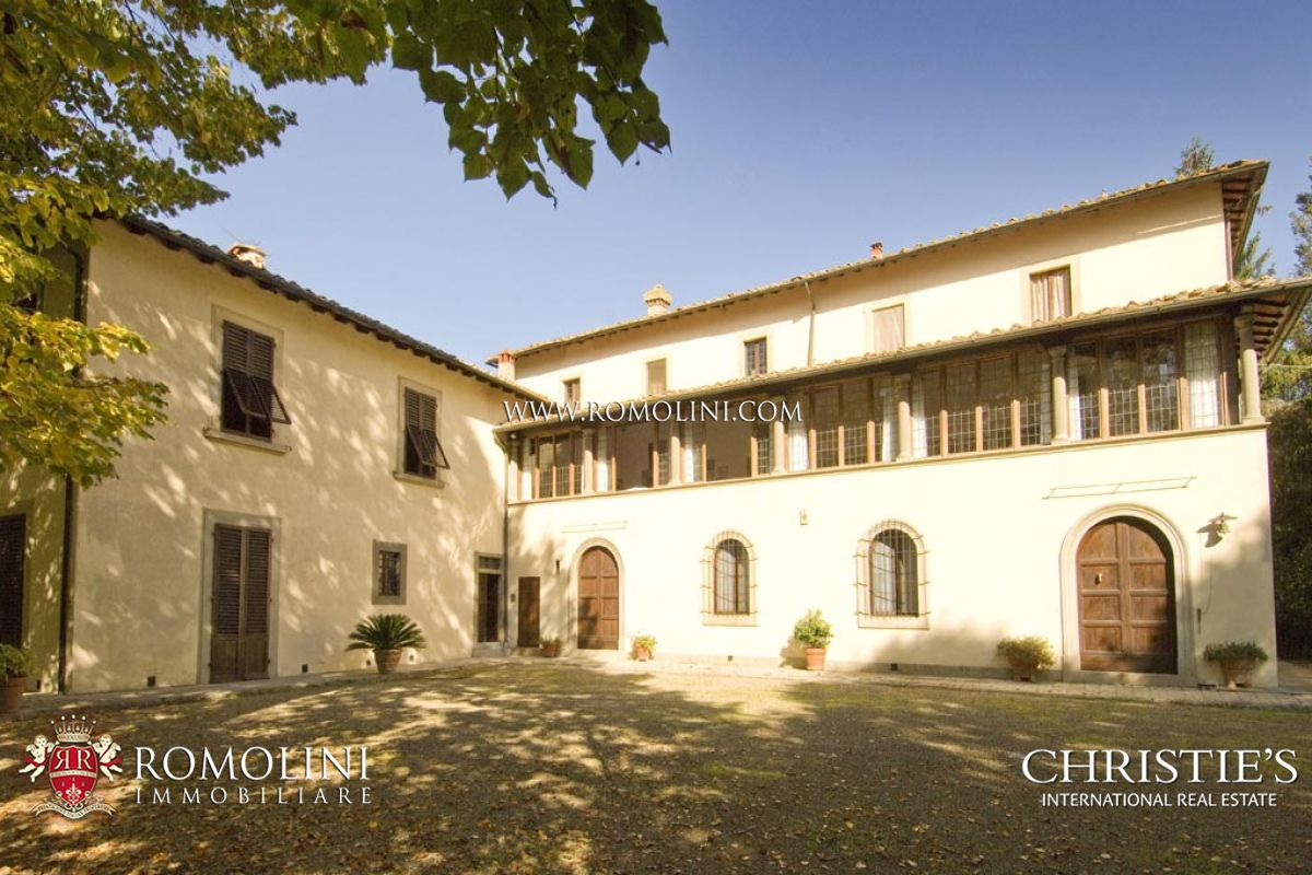 Additional photo for property listing at Tuscany - NOBLE VILLA FOR SALE AREZZO, TUSCANY Arezzo, Italia