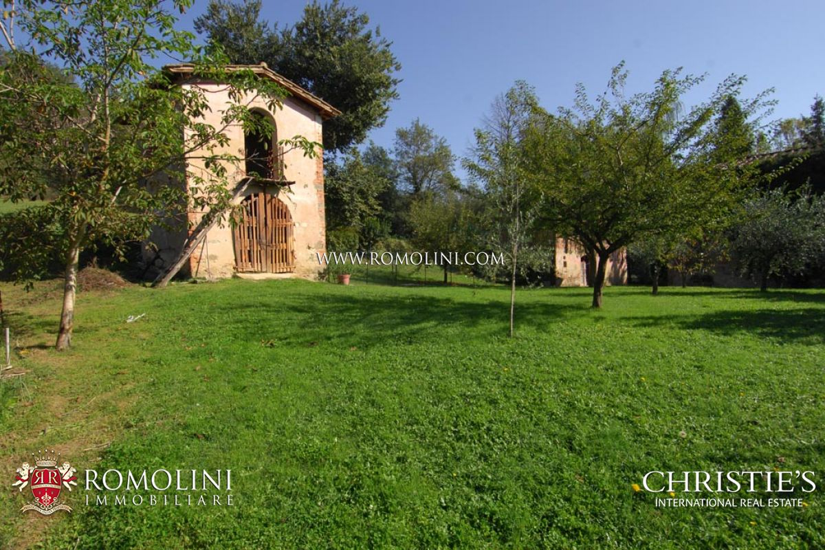 Additional photo for property listing at Tuscany - NOBLE VILLA FOR SALE AREZZO, TUSCANY Arezzo, Ý