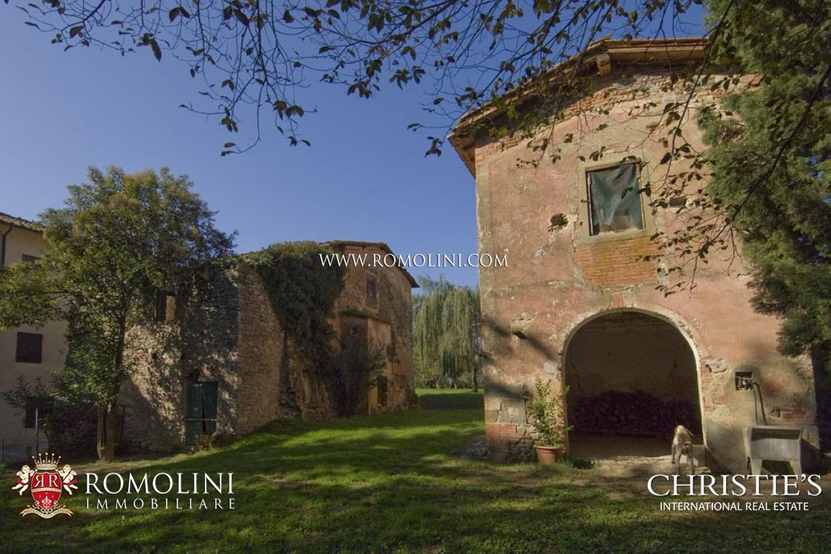 Additional photo for property listing at Tuscany - NOBLE VILLA FOR SALE AREZZO, TUSCANY Arezzo, Italien