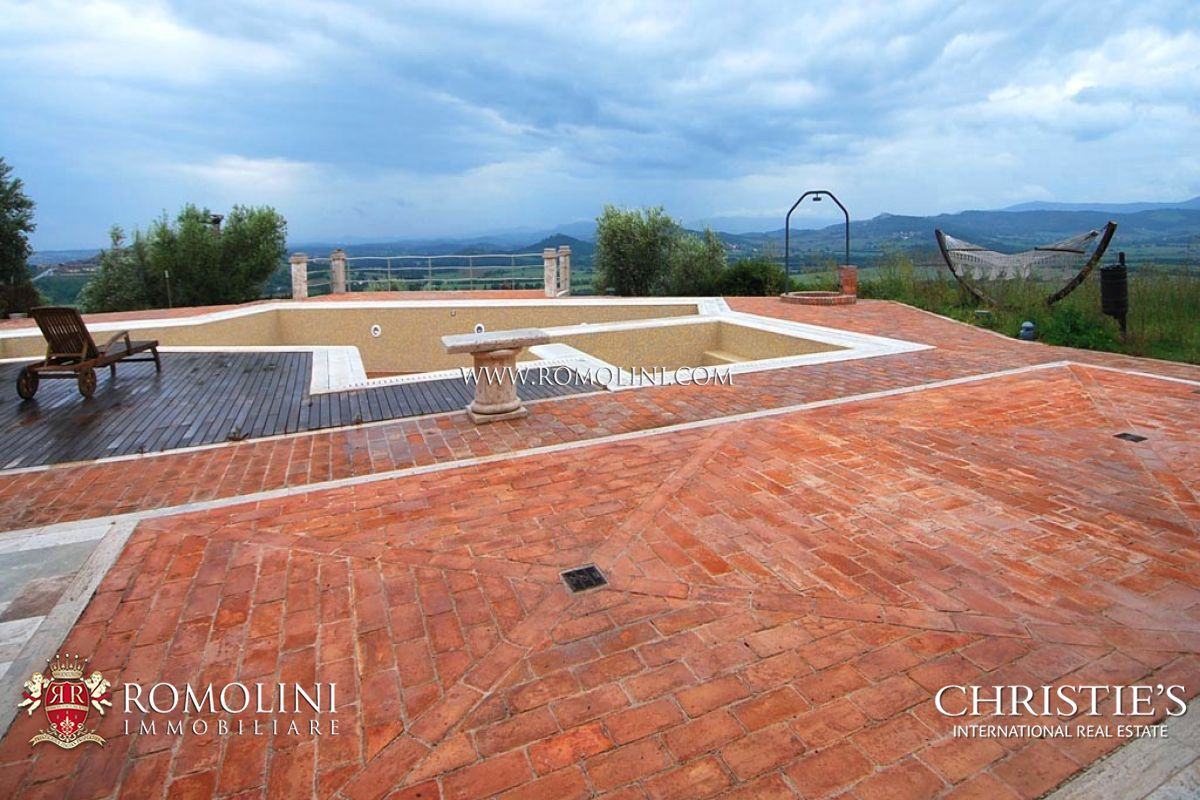 Additional photo for property listing at Umbria - LUXURY VILLA FOR SALE IN UMBRIA Perugia, Ιταλια