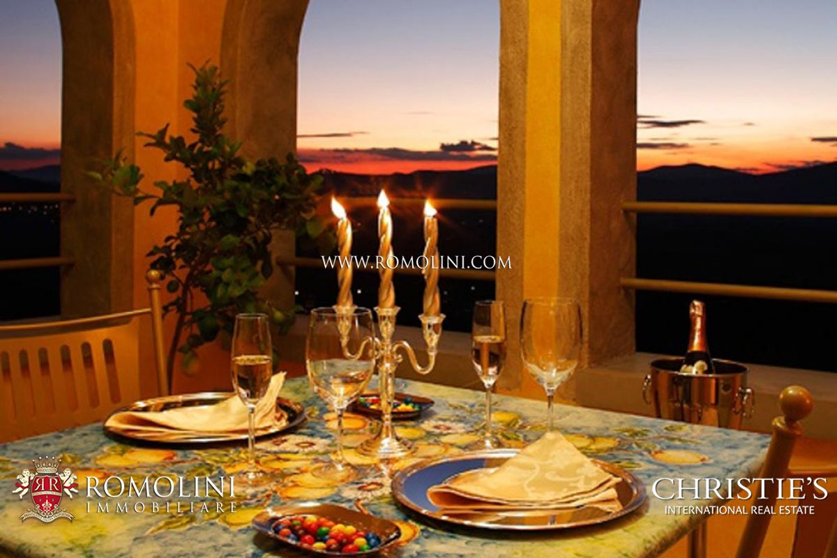 Additional photo for property listing at Umbria - LUXURY VILLA FOR SALE IN UMBRIA Perugia, 義大利