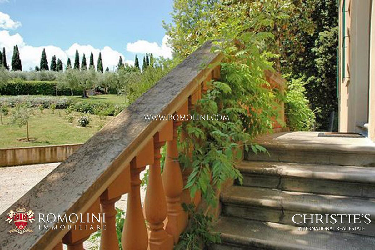 Additional photo for property listing at Umbria - PERUGIA, UMBRIA: VILLA WITH PRIVATE PARK FOR SALE Perugia, Italie