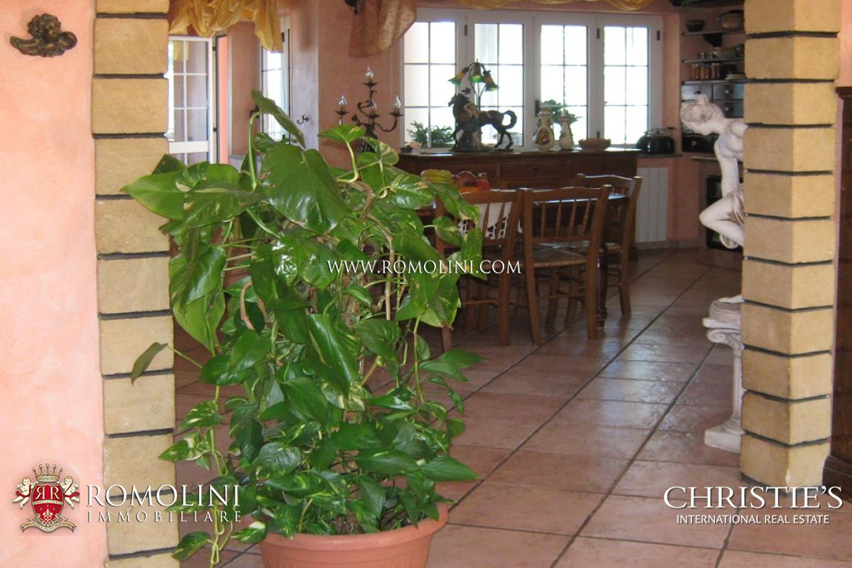 Additional photo for property listing at Calabria - COMPLEX WITH RESTAURANT AND HOTEL FOR SALE IN TROPEA Tropea, 義大利