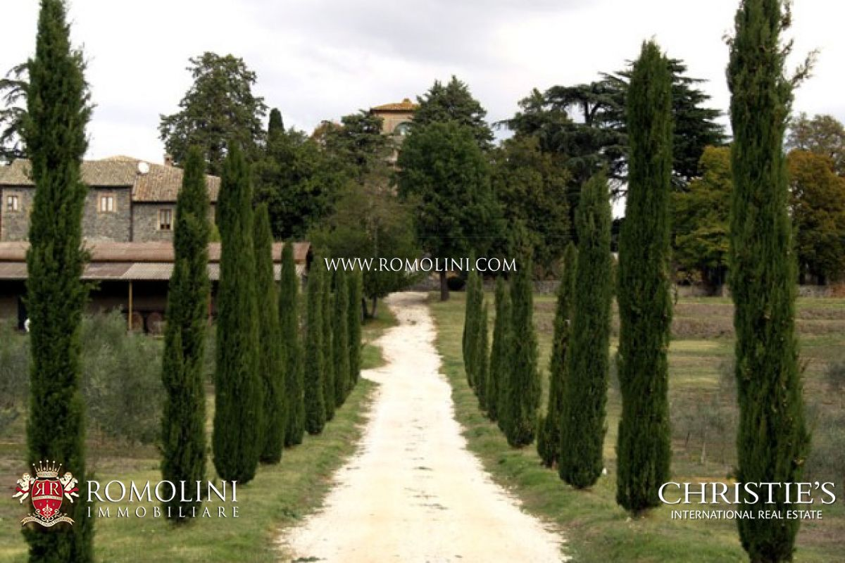 Additional photo for property listing at Umbria - LUXURY REAL ESTATE OLD MANOR DOP OLIVE GROVE ORVIETO Orvieto, Ý