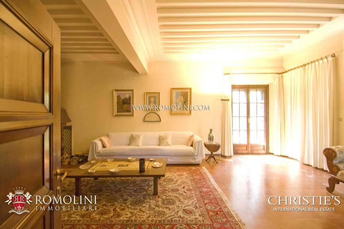 Additional photo for property listing at Tuscany - VILLA FOR SALE IN FLORENCE Firenze, Italia