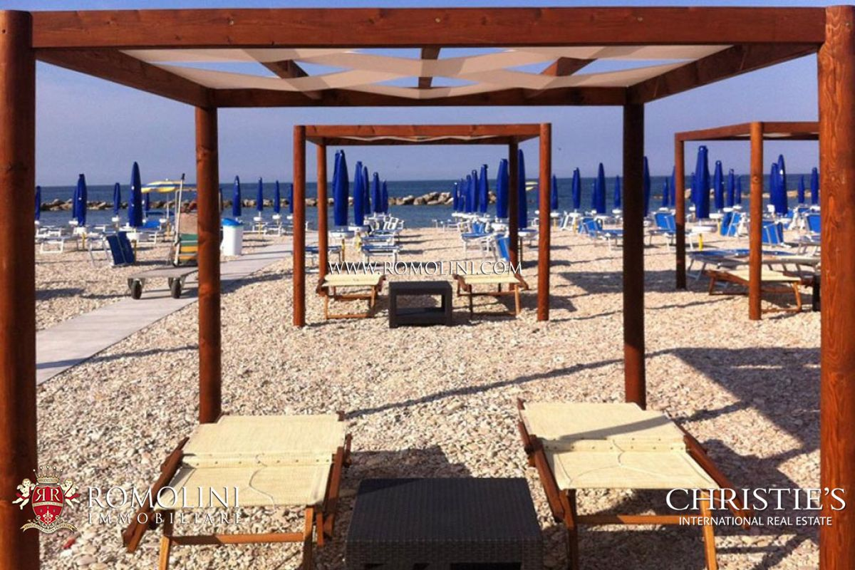 別墅 / 联排别墅 為 出售 在 Marche - BEACH PROPERTY FOR SALE IN FANO Fano, 義大利