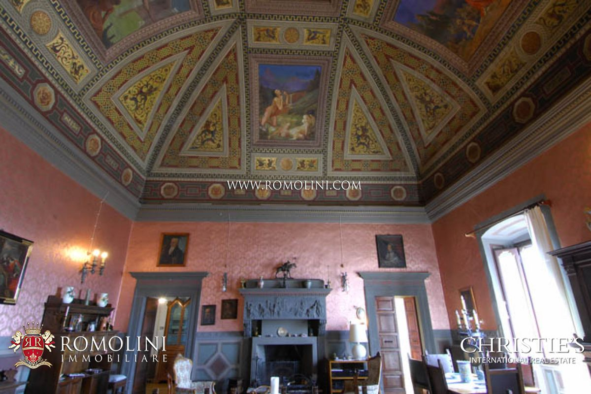 Additional photo for property listing at Umbria - MANOR VILLA FOR SALE SPELLO UMBRIA  Spello, Perugia,06038 Italie