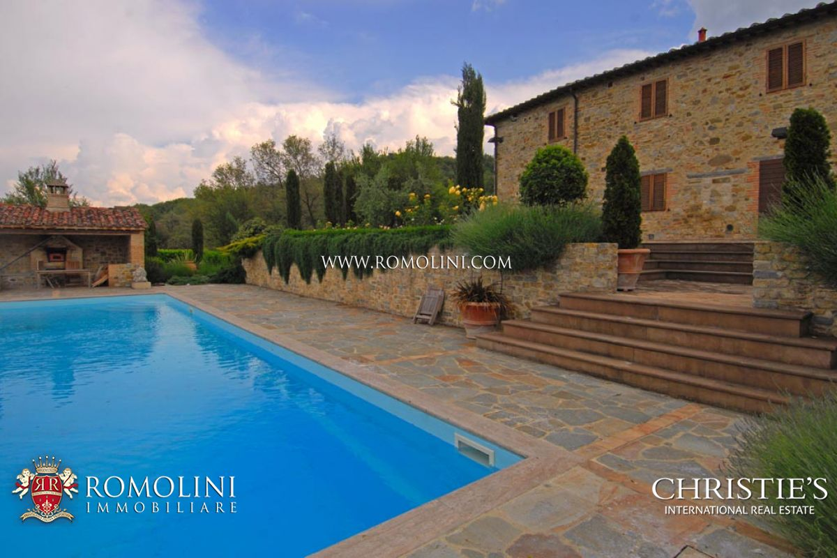 Villas / Townhouses for Sale at Umbria - MANOR HOUSE FOR SALE PIEGARO UMBRIA Piegaro, Italy