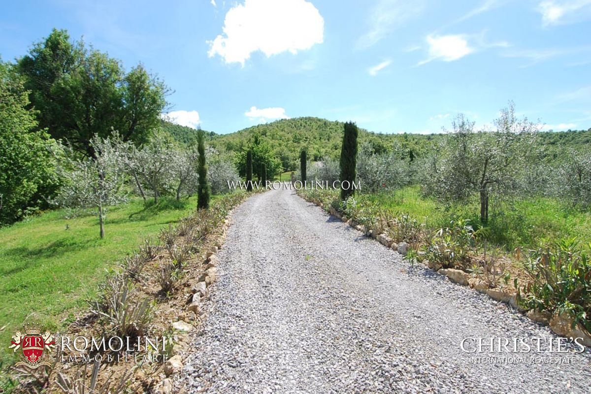 Additional photo for property listing at Umbria - MANOR HOUSE FOR SALE PIEGARO UMBRIA Piegaro, Italy