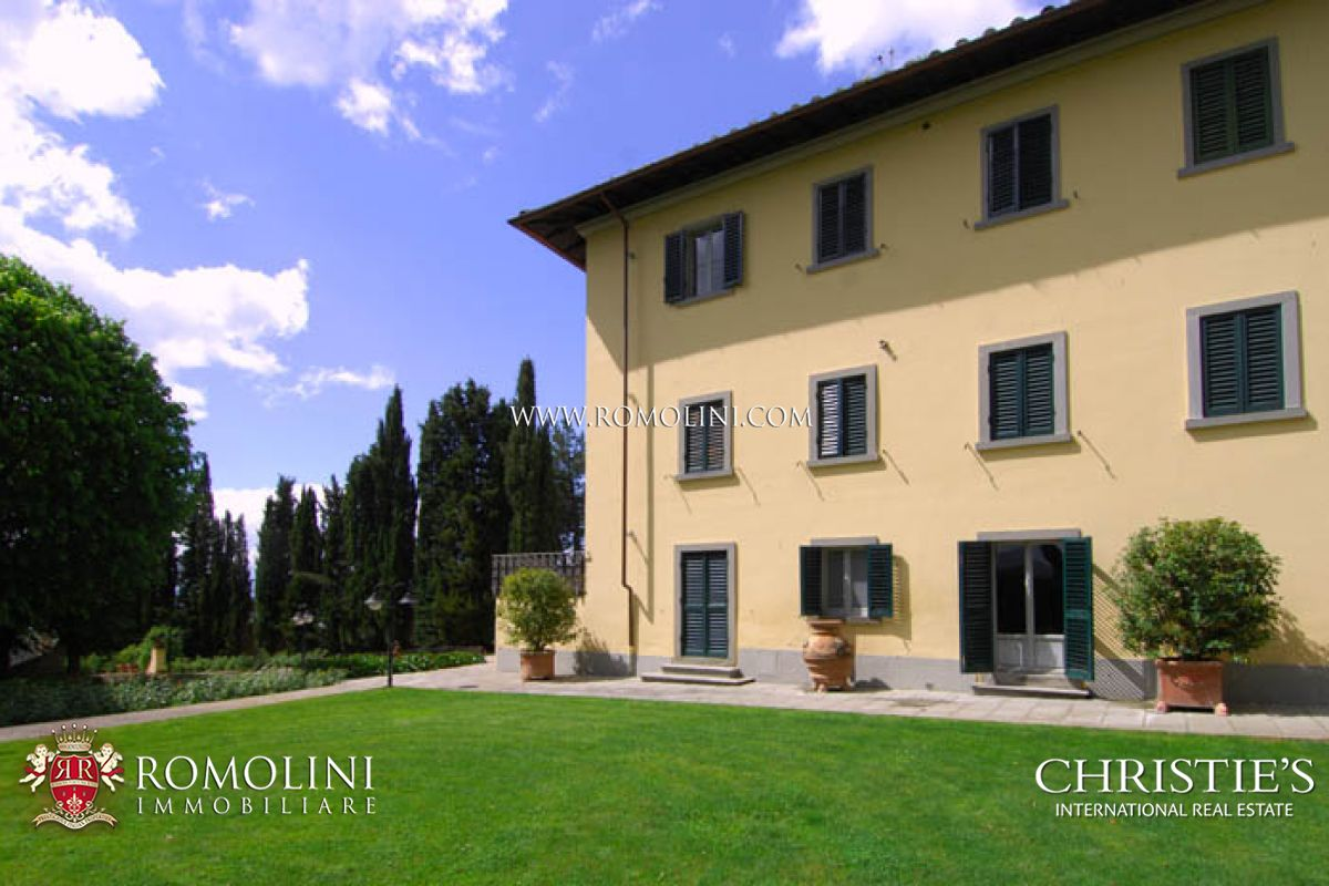 Villas / Townhouses for Sale at Tuscany - MANOR VILLA WITH PARK POOL TENNIS COURT AREZZO Arezzo, Italy