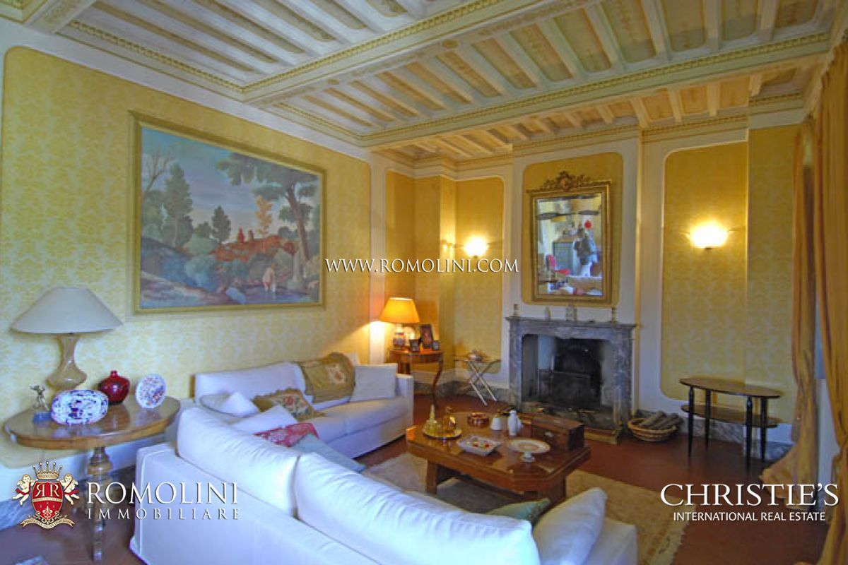 Additional photo for property listing at Tuscany - MANOR VILLA WITH PARK POOL TENNIS COURT AREZZO Arezzo, Italie