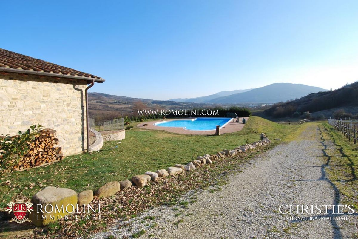 Additional photo for property listing at Umbria - AGRITURISMO FOR SALE IN UMBERTIDE Umbertide, Italië