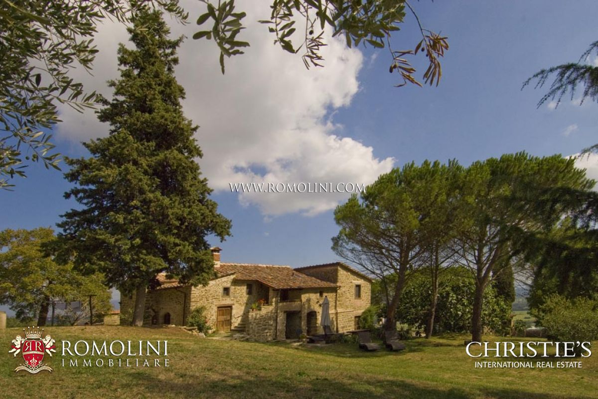 Additional photo for property listing at Tuscany - AIR-CONDITIONED TRADITIONAL STONE FARMHOUSE FOR SALE IN ANGHIARI Anghiari, Italia