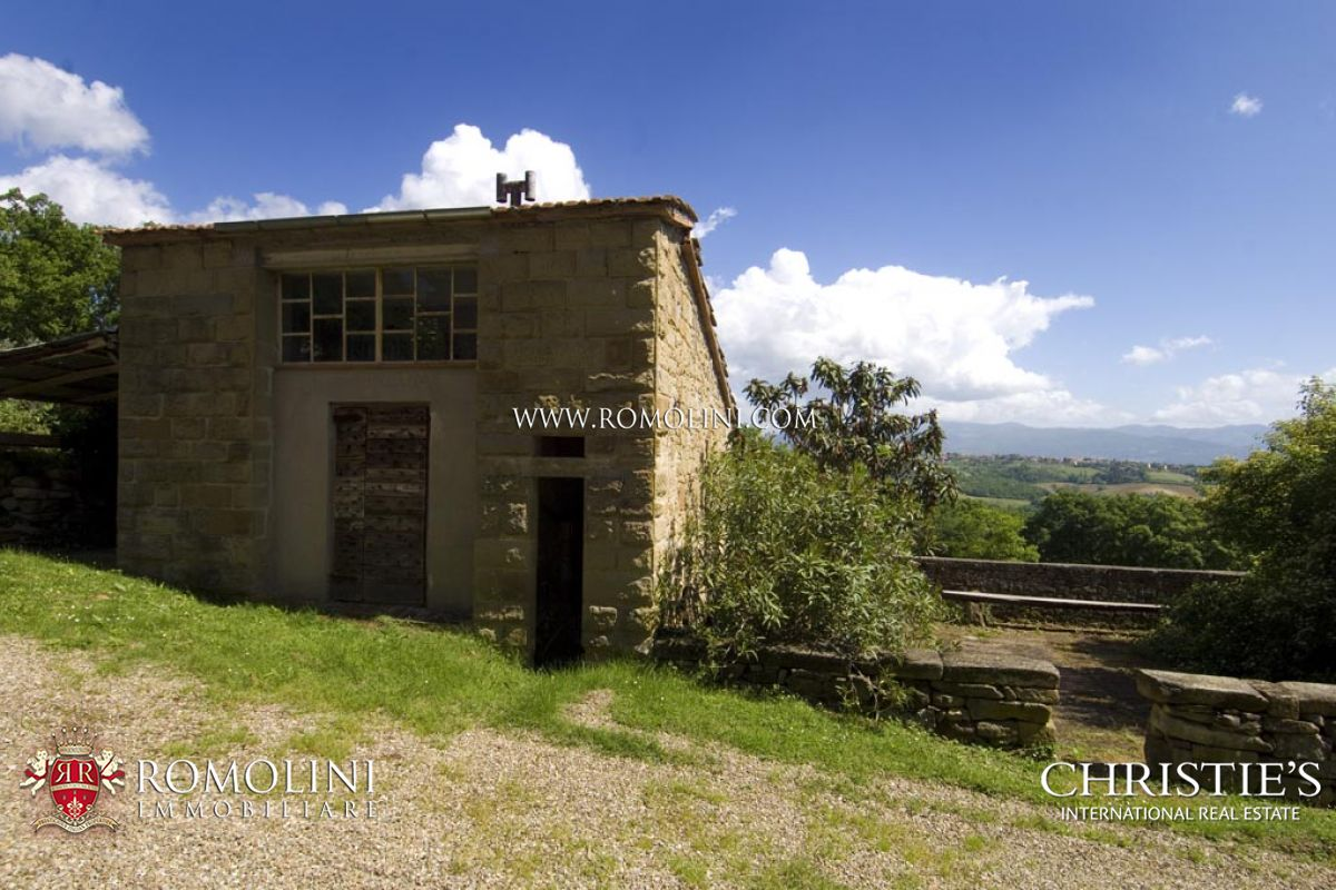 Additional photo for property listing at Tuscany - AIR-CONDITIONED TRADITIONAL STONE FARMHOUSE FOR SALE IN ANGHIARI Anghiari, Ιταλια