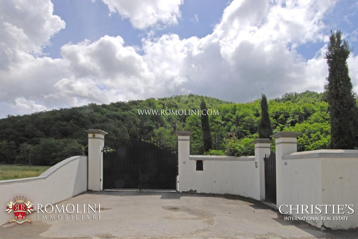 Additional photo for property listing at Tuscany - FLORENTINE RENAISSANCE VILLA BORGO SAN LORENZO Borgo San Lorenzo, Italia