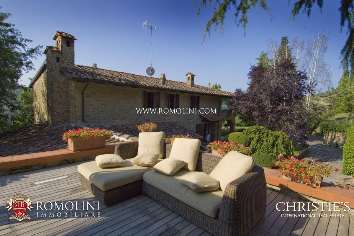 Additional photo for property listing at Tuscany - VILLA FOR SALE IN AREZZO Arezzo, Italia