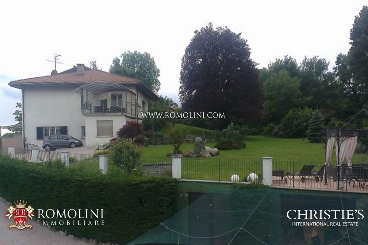Additional photo for property listing at Piedmont - LUXURY VILLA FOR SALE WITH GARDEN IVREA, TURIN Ivrea, イタリア