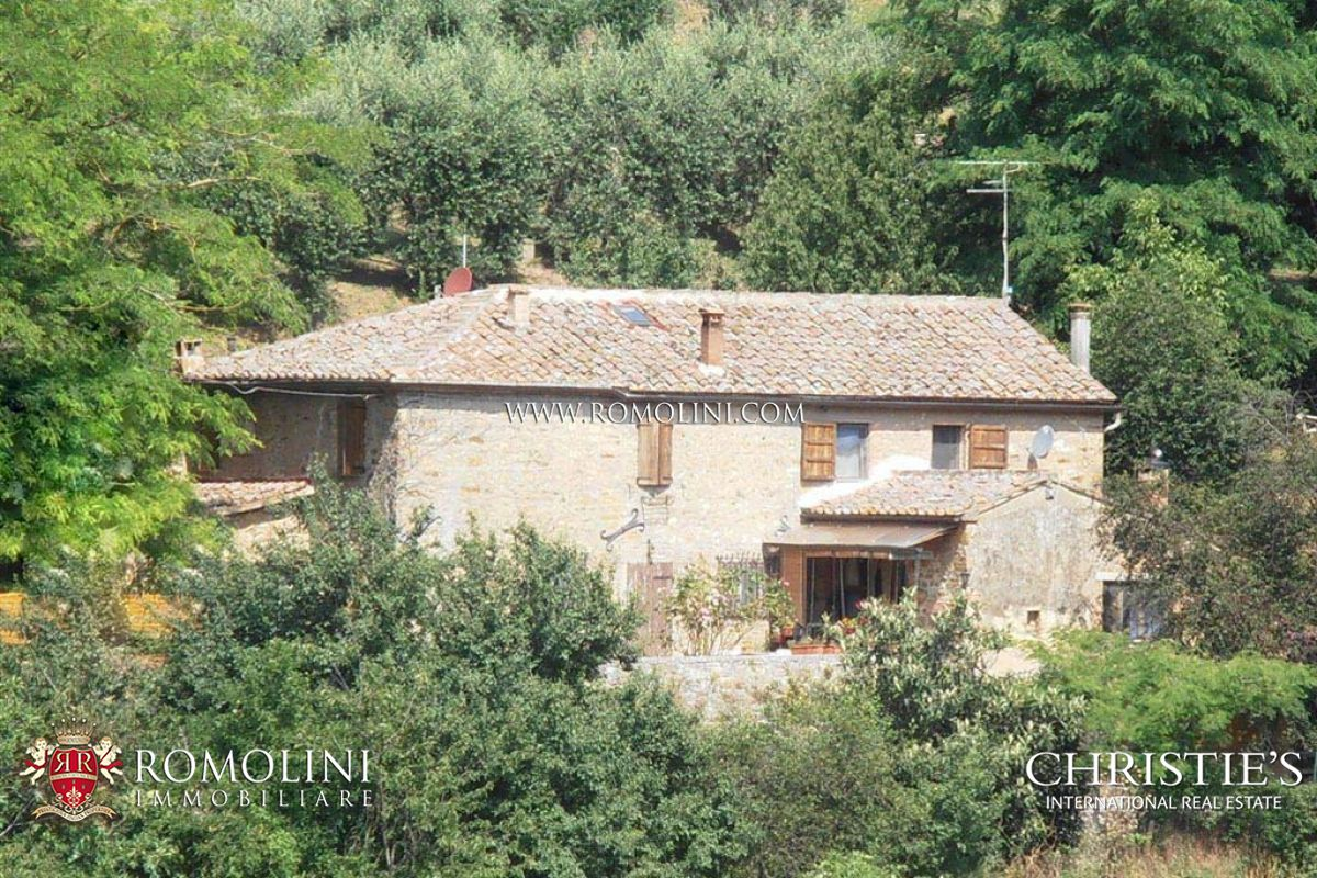 Частный дом для того Продажа на Tuscany - OLD BRICK AND STONE FARMHOUSE FOR SALE IN SIENA Siena, Италия