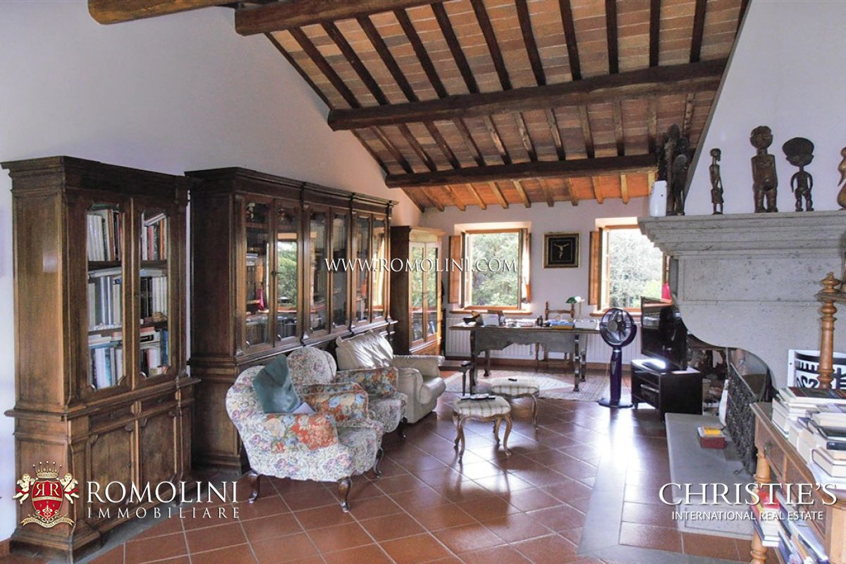 Additional photo for property listing at Tuscany - FARMHOUSE FOR SALE IN SIENA, TUSCANY Trequanda, Italie