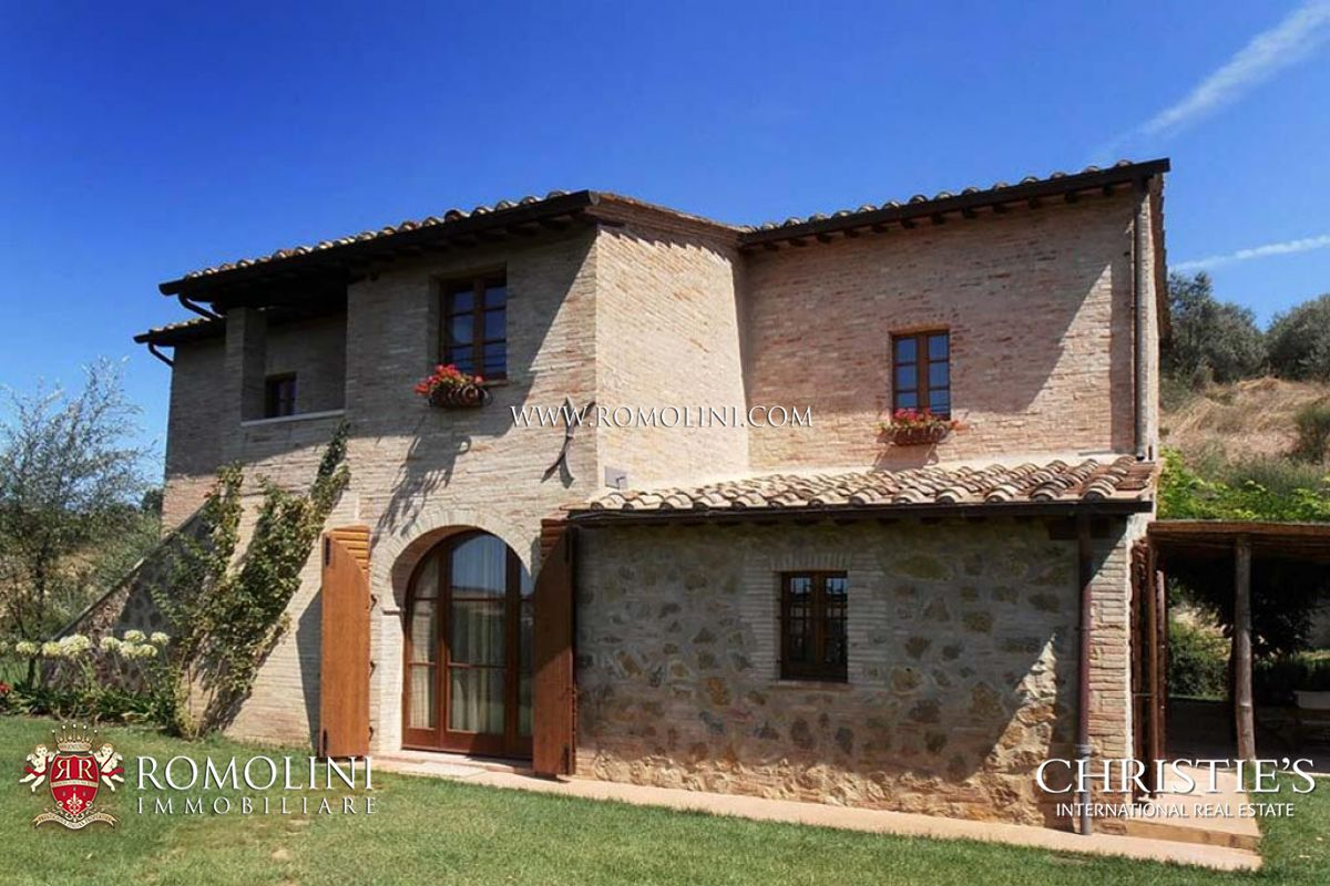 단독 가정 주택 용 매매 에 Tuscany - FARMHOUSE FOR SALE IN MONTEPULCIANO, SIENA, TUSCANY Montepulciano, 이탈리아
