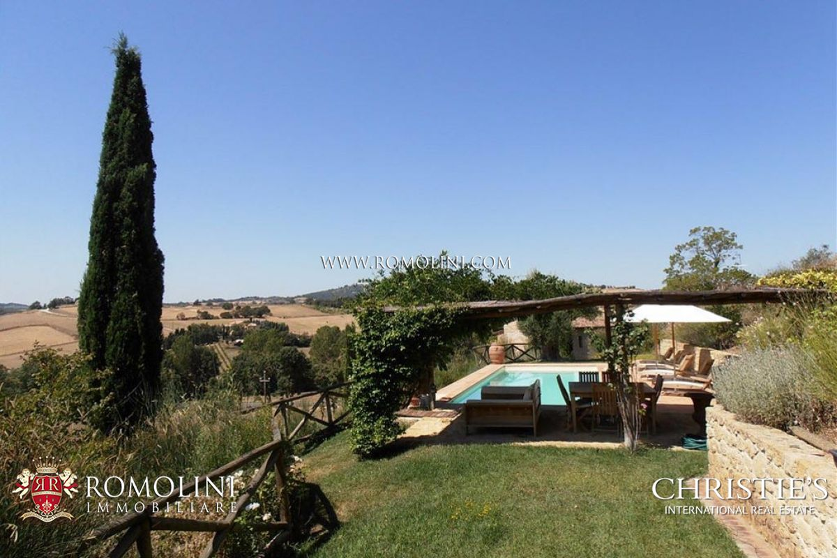 Additional photo for property listing at Tuscany - FARMHOUSE FOR SALE IN MONTEPULCIANO, SIENA, TUSCANY Montepulciano, 이탈리아
