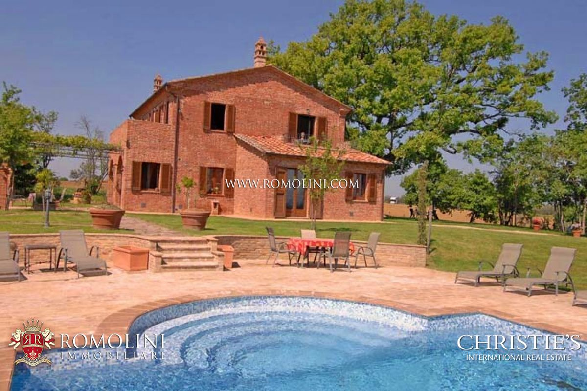 Villa / Maison de ville pour l Vente à Umbria - FARMHOUSE WITH POOL CONSERVATIVE RESTORATION Castiglion Del Lago, Italie