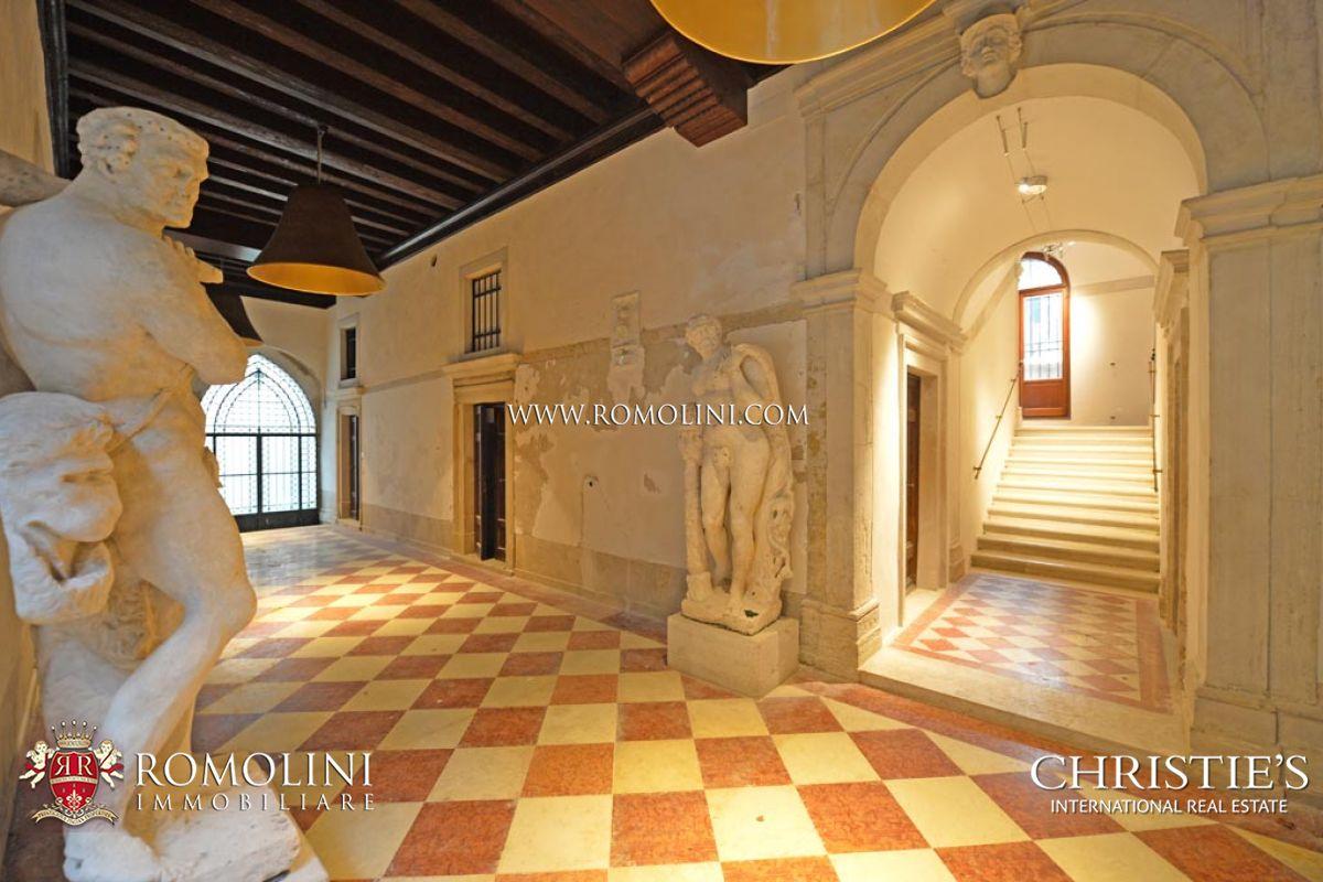 Venezia appartamento casa in vendita for Casa con appartamento seminterrato in vendita