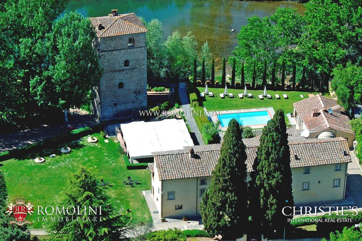 빌라 / 타운 하우스 용 매매 에 Tuscany - HISTORICAL PROPERTY WITH VILLA AND TOWER FOR SALE IN TUSCANY Arezzo, 이탈리아
