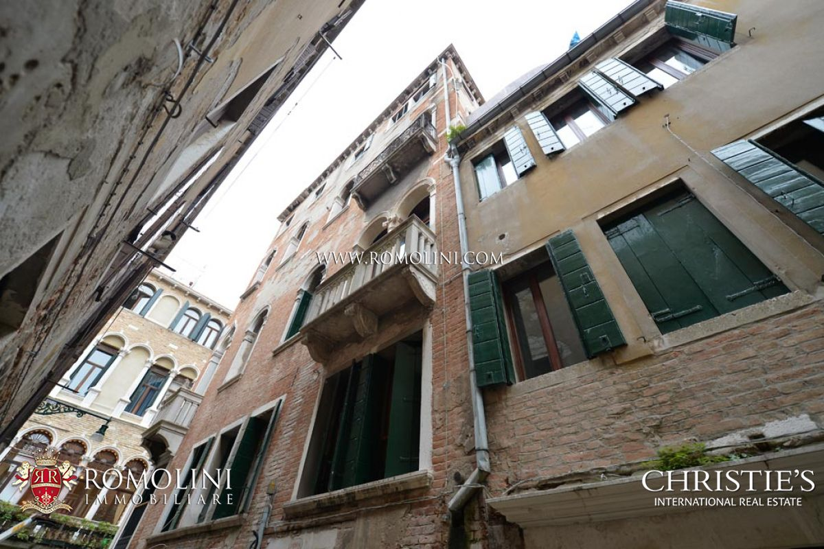 Apartments / Residences for Sale at Veneto - SAN MARCO, VENICE: APARTMENT WITH LUXURY FINISHES FOR SALE Venice, Italy
