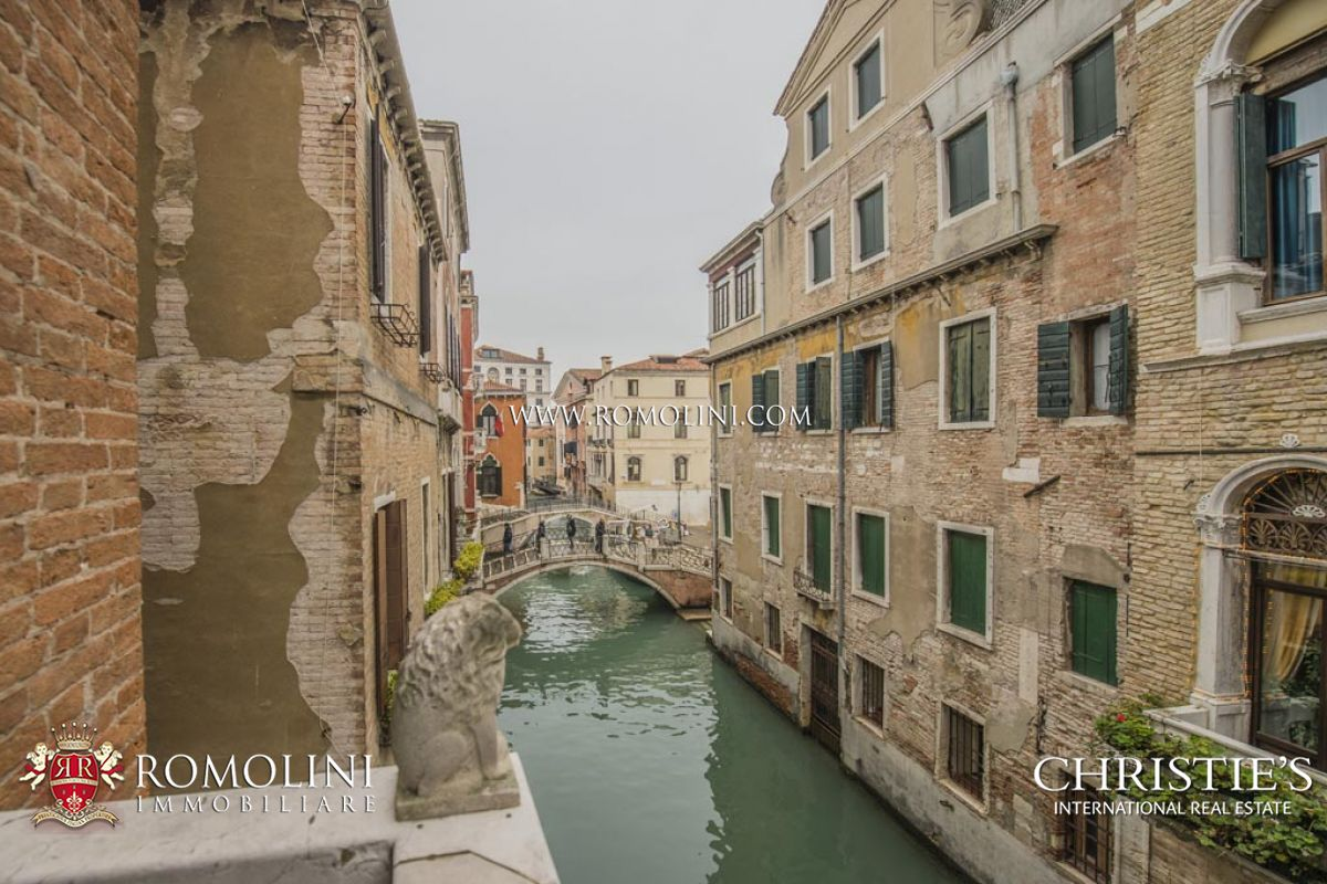 Veneto - SAN MARCO, VENICE: APARTMENT WITH LUXURY FINISHES ...