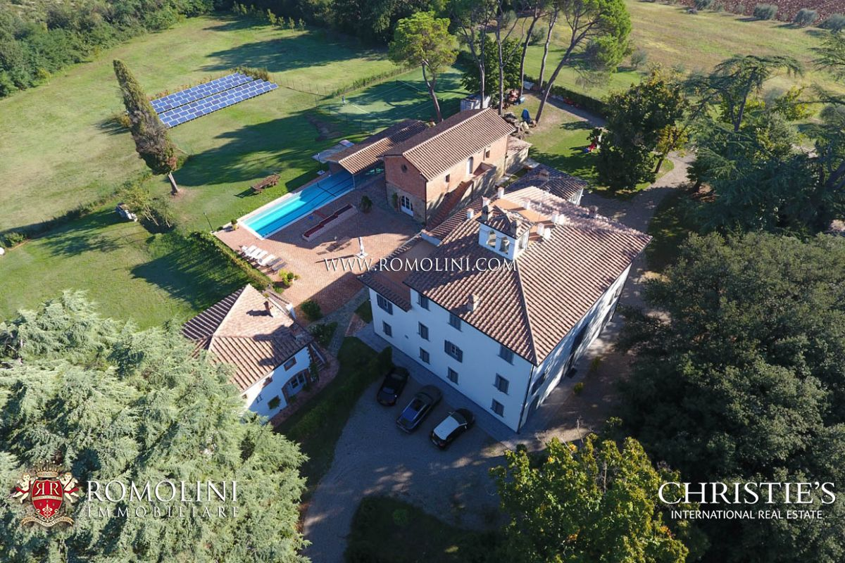 Vineyard for Sale at Tuscany - AREZZO: MANOR VILLA FOR SALE WITH PARK AND POOL Monte San Savino, Arezzo,52100 Italy