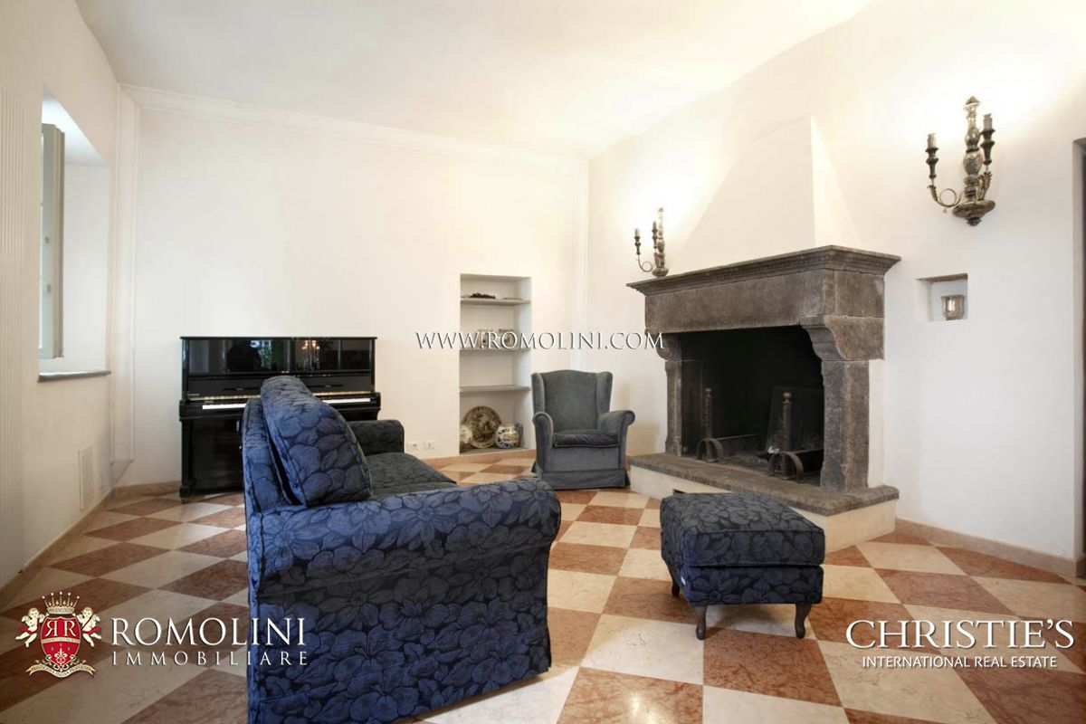 Additional photo for property listing at Tuscany - AREZZO: MANOR VILLA FOR SALE WITH PARK AND POOL  Monte San Savino, Arezzo,52100 Italy