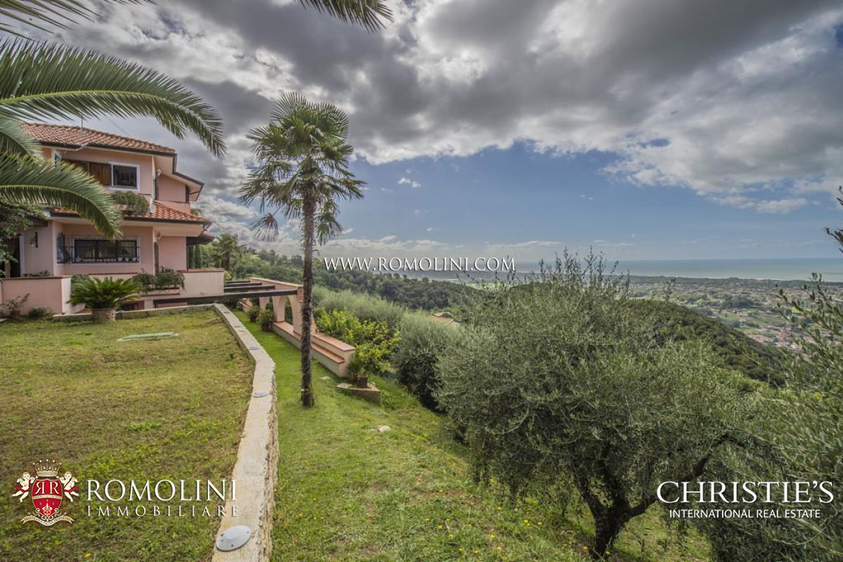 Additional photo for property listing at Tuscany - VERSILIA: VILLA FOR SALE WITH SEAVIEW Montignoso, Italya