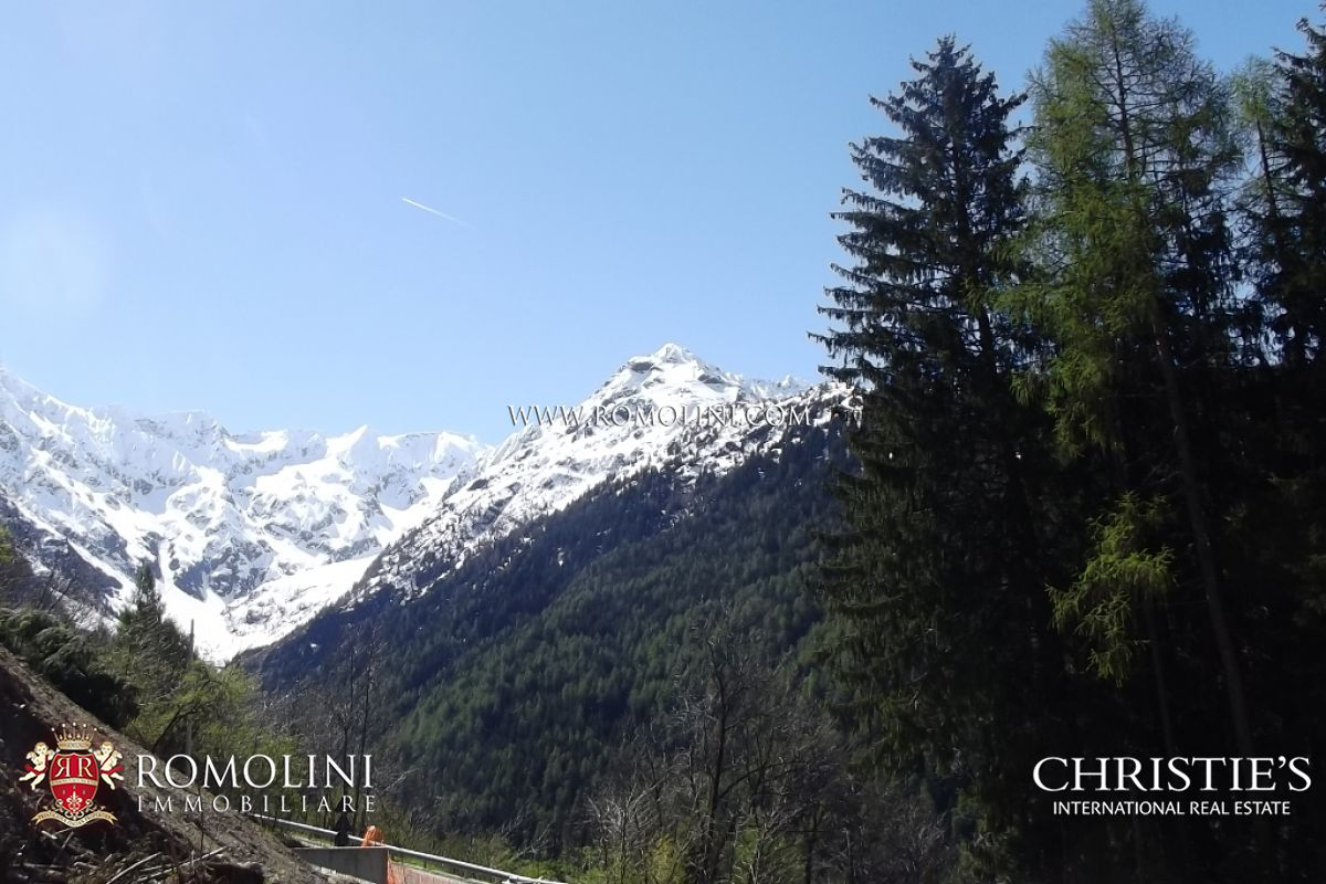 Additional photo for property listing at Lombardia - EXCLUSIVE APARTMENT IN MOUNTAIN CHALET FOR SALE, PONTE DI LEGNO Ponte Di Legno, 意大利