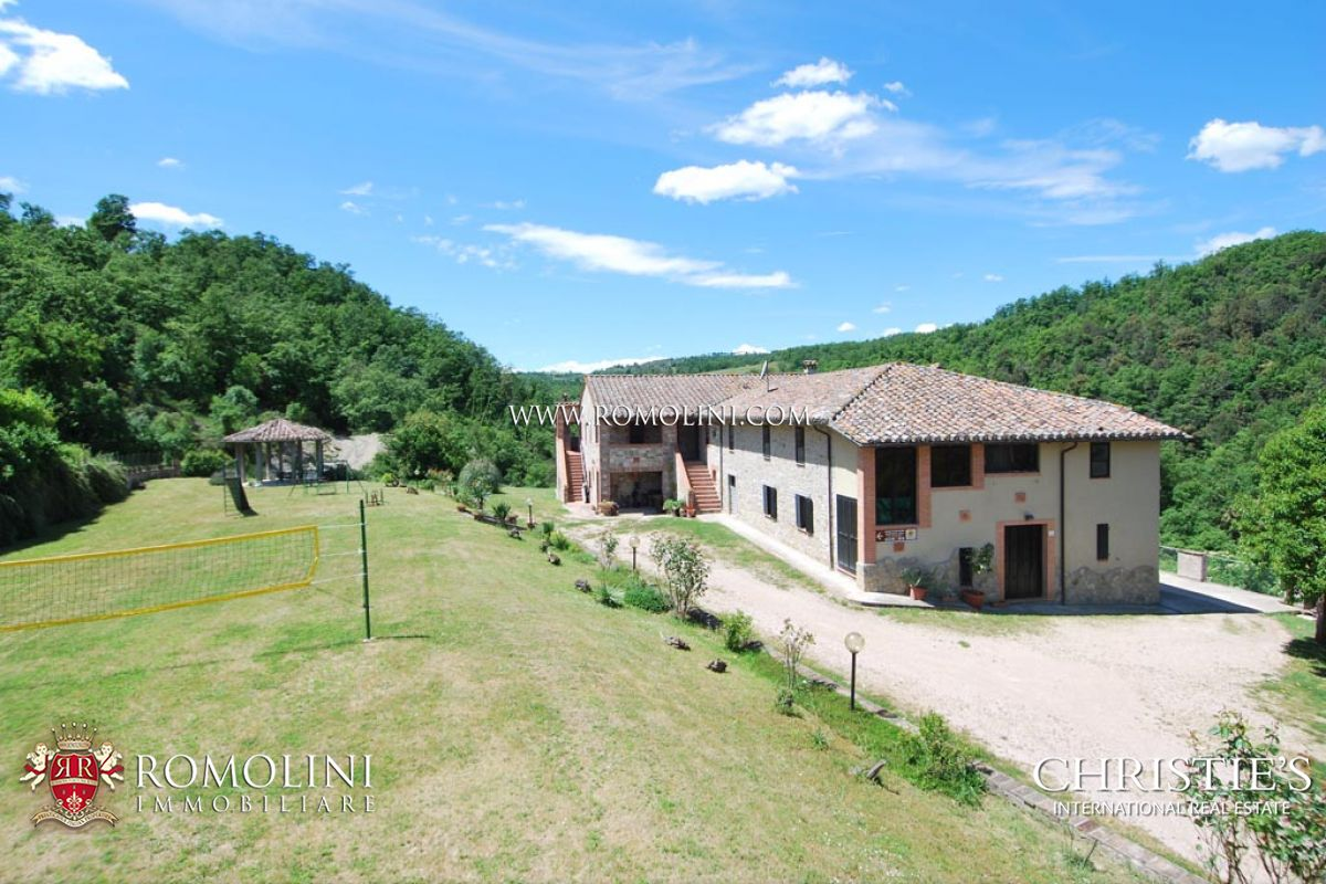 Additional photo for property listing at Umbria - AGRITURISMO WITH POOL AND LAND FOR SALE IN PERUGIA, UMBRIA Perugia, 이탈리아