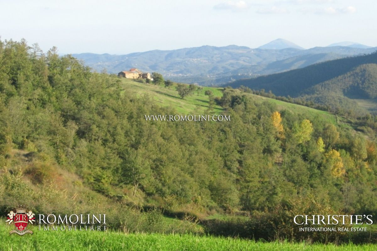 Additional photo for property listing at Umbria - UMBRIA: FARMING BUSINESS WITH RURAL HAMLET POOL AND LAND FOR SALE Perugia, Italien