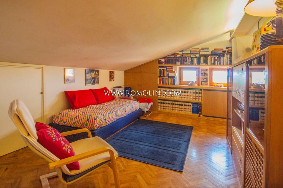 Sansepolcro appartamento con garage e giardino in vendita for Garage con appartamento in cima