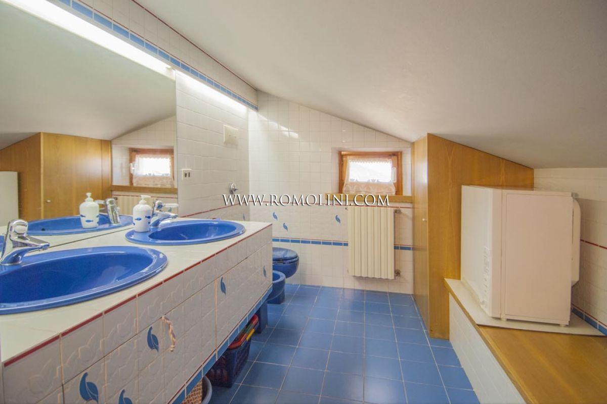 Sansepolcro appartamento con garage e giardino in vendita for Garage in metallo con appartamento