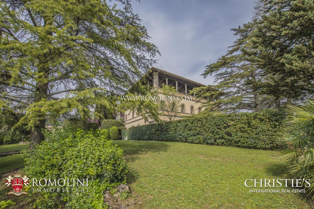 Additional photo for property listing at Tuscany - FIESOLE: LUXURY APARTMENT FOR SALE IN HISTORICAL VILLA IN FLORENCE Fiesole, Itália