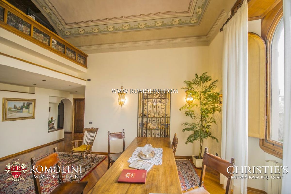 Additional photo for property listing at Tuscany - FIESOLE: LUXURY APARTMENT FOR SALE IN HISTORICAL VILLA IN FLORENCE Fiesole, 義大利
