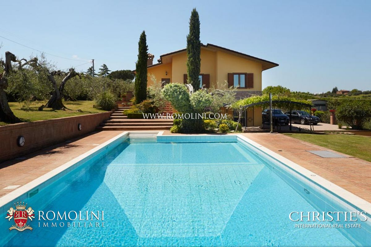 Additional photo for property listing at Umbria - TRASIMENO LAKE: VILLA FOR SALE WITH GARDEN AND POOL Castiglion Del Lago, 義大利
