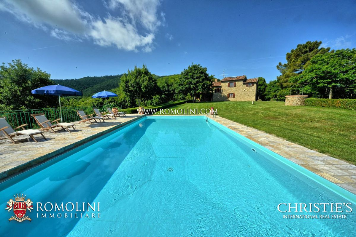 Частный дом для того Продажа на Tuscany - FARMHOUSE WITH POOL FOR SALE IN MONTERCHI, TUSCANY Monterchi, Италия