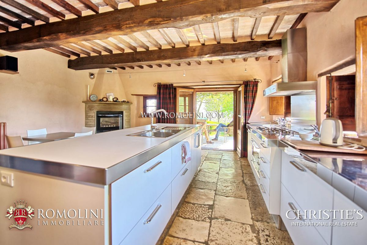 Additional photo for property listing at Tuscany - FARMHOUSE WITH POOL FOR SALE IN MONTERCHI, TUSCANY Monterchi, Италия