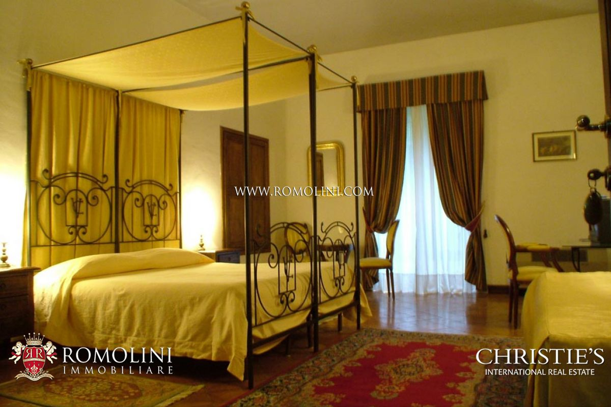 Additional photo for property listing at Umbria - CHARMING VILLA WITH POOL FOR SALE IN UMBRIA, ORVIETO Orvieto, Italien