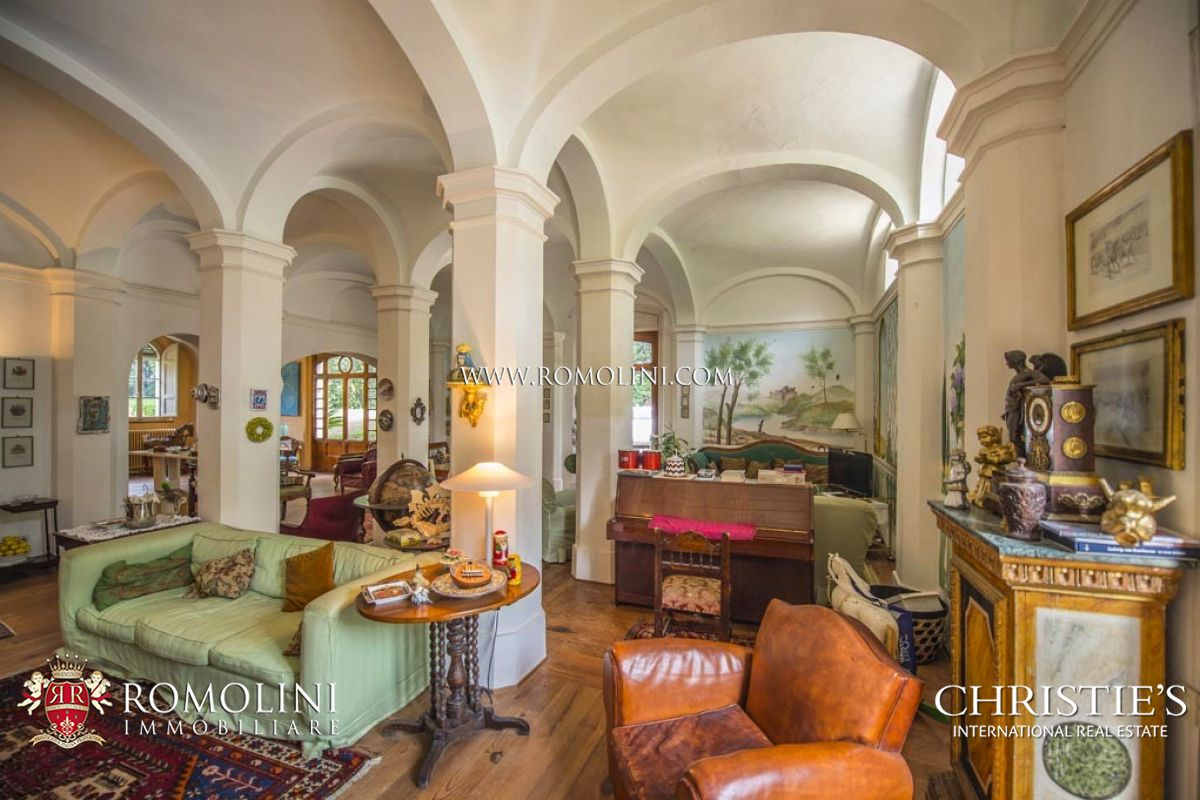 Additional photo for property listing at Tuscany - LUXURY VILLA FOR SALE IN SIENA, TUSCANY Siena, Ý